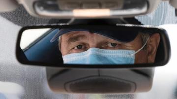 La mascarilla seguirá siendo obligatoria en el coche y ya se conoce la multa por no llevarla